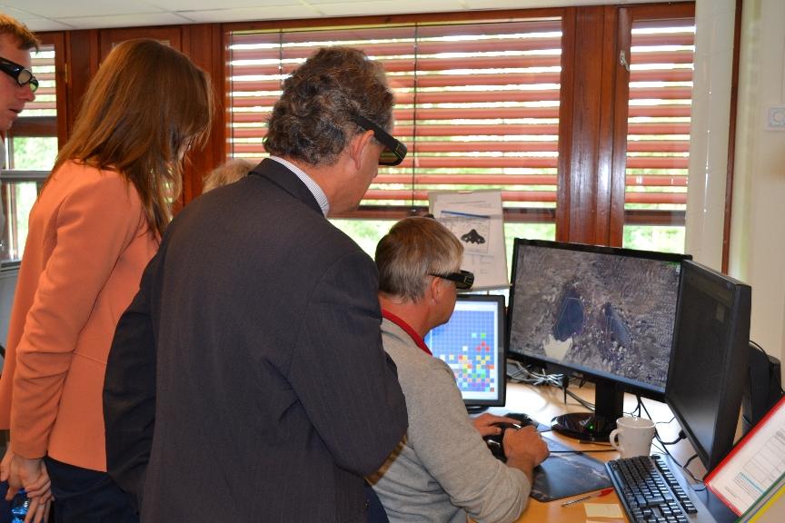 Foto. 2. Pracowania kartograficzna – prezentacja aktualizacji norweskiej bazy danych topograficznych w skali 1:50 000, KARTVERKET, Honefoss