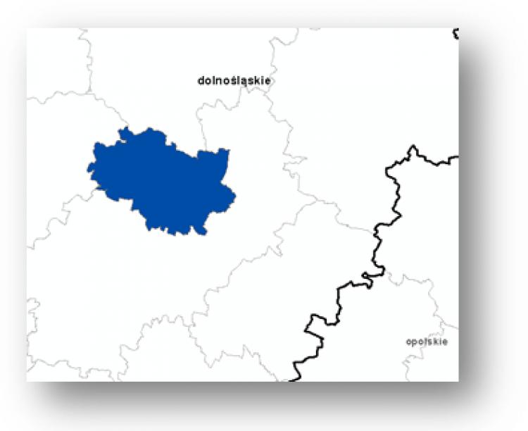 Ilustracja przedstawia fragment mapy Polski z zaznaczonym obszarem powiatu objętego aktualizacją zbioru danych BDOT10k