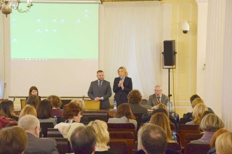 Wystąpienie GGK po lewej stronie Sebastian Bala WINGiK woj. mazowieckiego