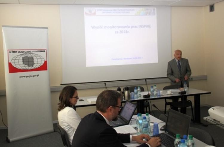 Otwarcie posiedzenia za stołem prof. Jerzy Gaździcki, przewodniczący Rady