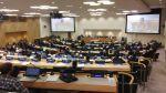 Ogólne ujęcie w trakcie posiedzenia komitetu. Widok na salę plenarną w siedzibie Narodów Zjednoczonych